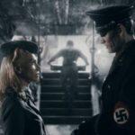 iron-sky-julia-dietze-insieme-a-gotz-otto-in-una-scena-del-film-253545