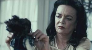 The-Butterfly-Room-La-stanza-delle-farfalle-trailer-italiano-del-thriller-horror-di-Jonathan-Zarantonello-3-620x338