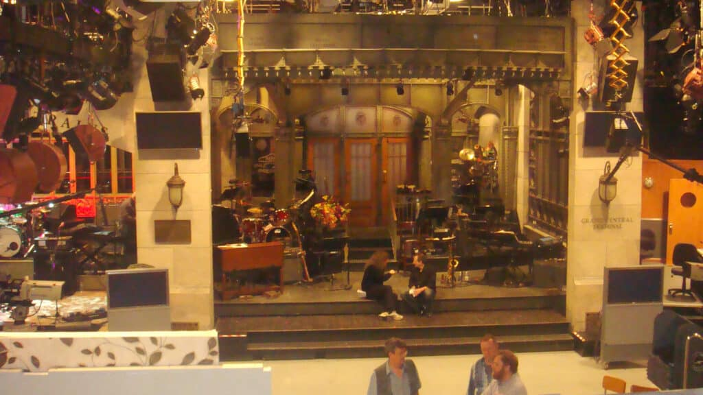 The set of Saturday Night Live in 8H